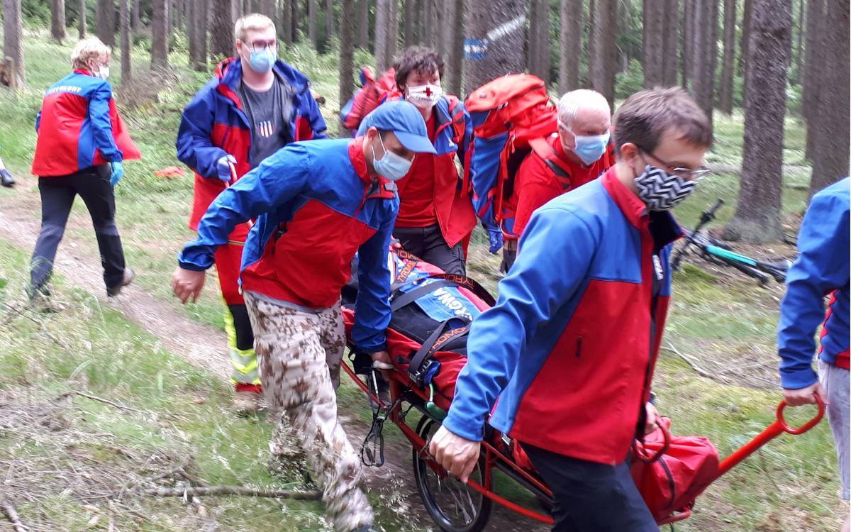 Die Bergwacht musste einen Mountainbike-Fahrer retten. Foto: Bergwacht Weißenstadt