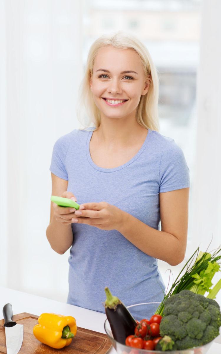 Die Online-Ernährungs-Beratung kommt jetzt per Smartphone direkt in die heimische Küche. Foto: PantherMedia / dolgachov