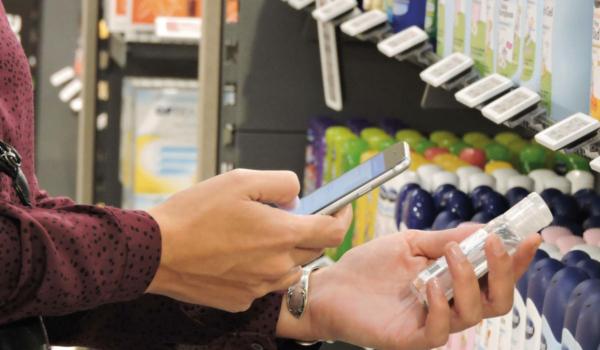 Dank der App Cosmile kann man schnell und einfach die Inhaltsstoffe in Kosmetikprodukten erkennen. Foto: Cosmile/akz-oDank der App Cosmile kann man schnell und einfach die Inhaltsstoffe in Kosmetikprodukten erkennen. Foto: Cosmile/akz-o