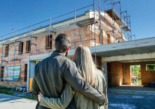 Wer Fördermöglichkeiten und Fristen kennt, kann beim Hausbau viel sparen. Foto: Bausparkasse Schwäbisch Hall/ akz-o