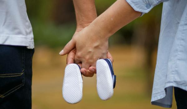Laut einer aktuellen YouGov-Umfrage hat in der Altersgruppe der 18- bis 24-Jährigen jeder Zweite einen Kinderwunsch. Foto: djd/DEVK/Pixabay