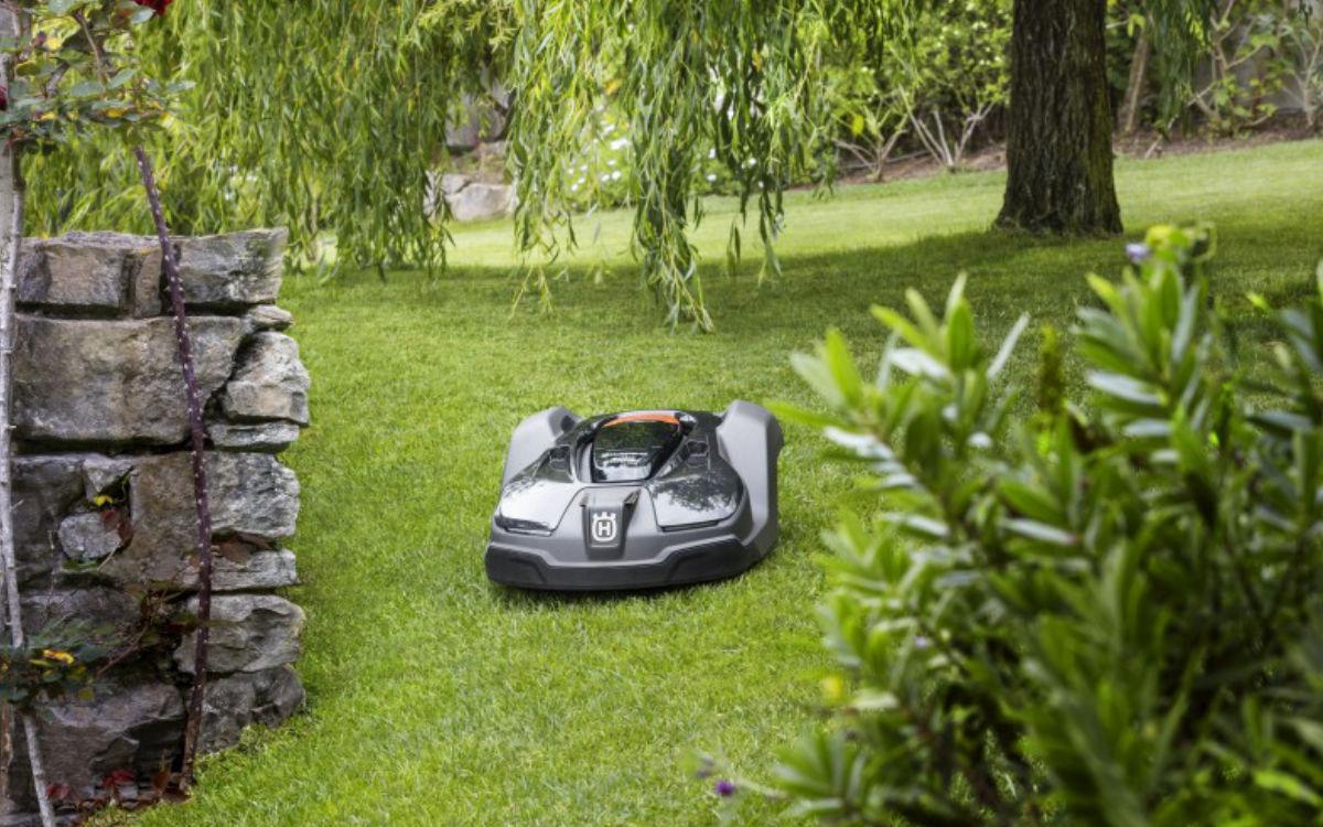Mähroboter von Husqvarna. Foto: Eichner Forst- und Gartentechnik