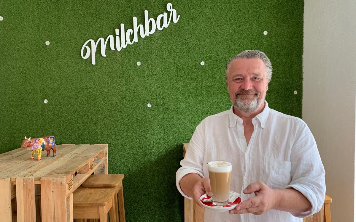 Geschäftsführer Wolfgang Fiebich in der Milchbar in Bayreuth. Foto: Katharina Adler