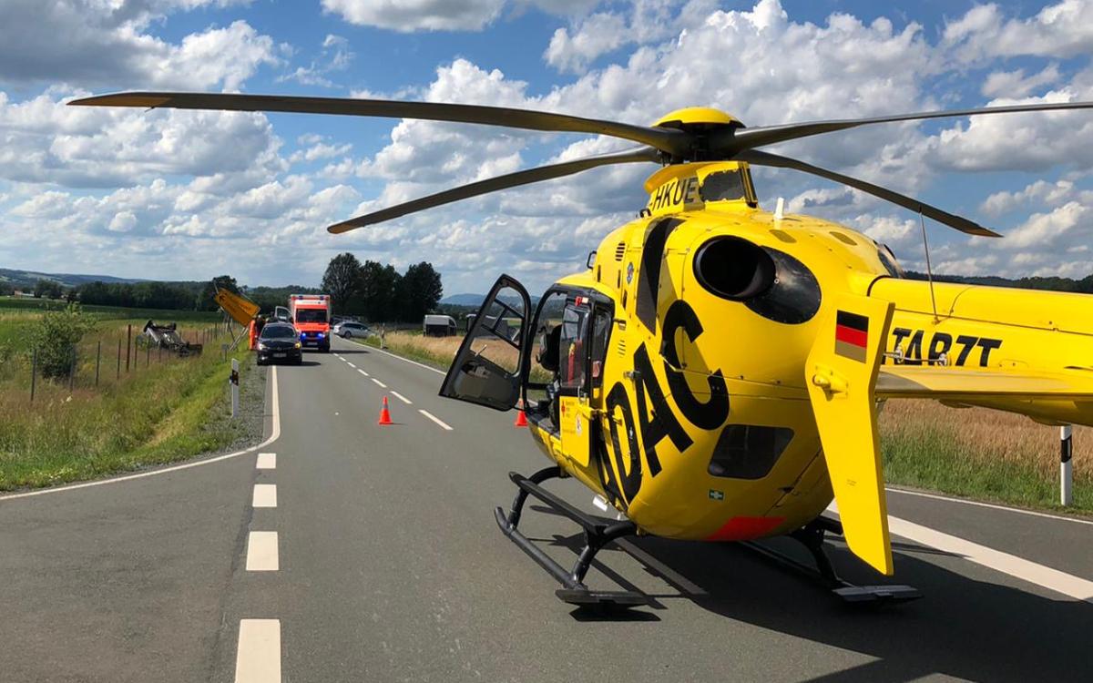 Die Fahrerin des Traktors mussten mit dem Rettungshubschrauber ins Krankenhaus gebracht werden. Foto: Redaktion