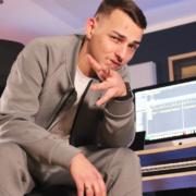 Der Rapper Rapha aus Münchberg in seinem Studio