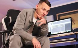 """Der Rapper Rapha aus Münchberg in seinem Studio """"Roof4Rec"""". Foto: Steri STM028"""