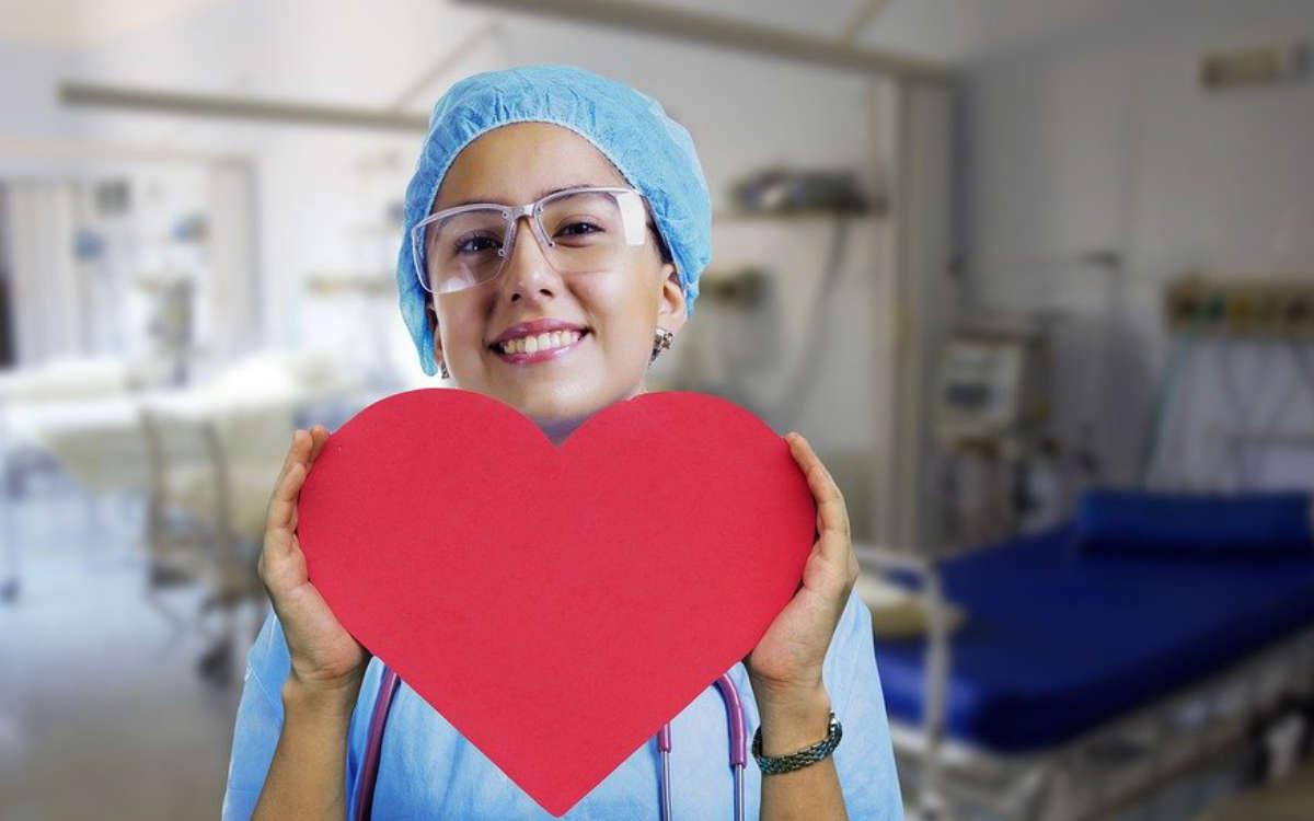Pflegekräfte sind uns mittlerweile in der Corona-Krise egal - es hat sich also nichts verändert. Ein Kommentar von Christoph Wiedemann. Symbolfoto: pixabay