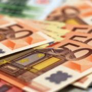 In Kulmbach wurde eine Seniorin um Hunderttausende Euro betrogen. Falsche Polizisten waren als Trickbetrüger unterwegs. Symbolfoto: pixabay