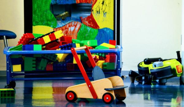 In einem Kindergarten in Pinzberg im Kreis Forchheim ist ein Kind positiv auf das Coronavirus getestet worden. Der Kindergarten musste daraufhin schließen. Symbolfoto: pixabay