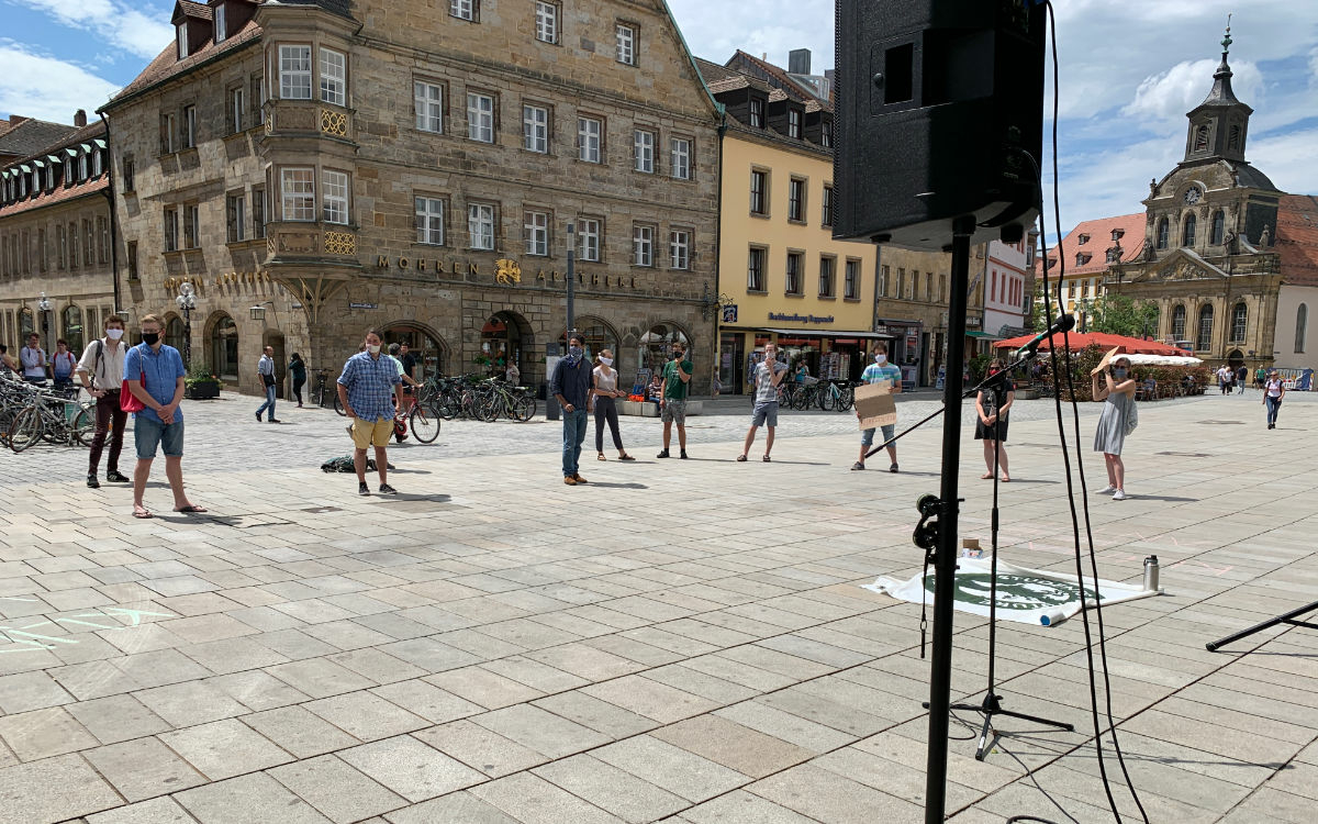 Die Students for Future demonstrierten in Bayreuth gegen den späten Kohleausstieg 2038. Foto: Katharina Adler