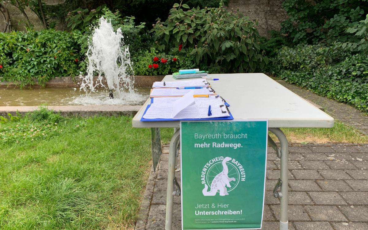 Schon über 4.200 Bayreuther hätten das Bürgerbegehren unterschrieben, heißt es von Seiten des Radentscheids. Foto: Katharina Adler