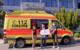 Im Bild (v.l.n.r.): Lisa Wittmann (Auszubildende bei der Firma Stäubli), Jo- chen Pausch (Leiter BRK-Hospizmobil in Bayreuth und Bereitschaftsleiter der BRK Bereitschaft Bad Berneck) und Steffen Müller (Auszubildender bei der Firma Stäubli). Foto: Tobias Schif / BRK Kreisverband Bayreuth