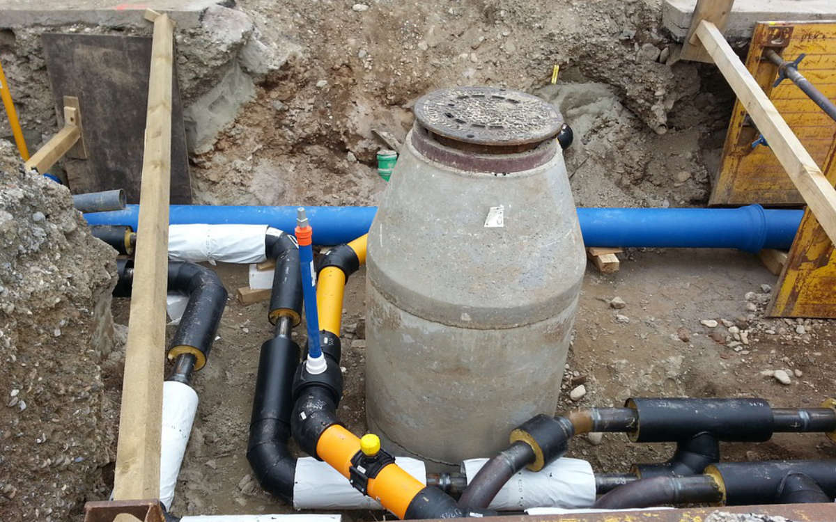 Am Rodersberg in Bayreuth werden die Rohrleitungen erneuert. Symbolfoto: Pixabay