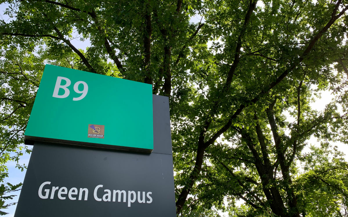 Auf dem Campus der Uni Bayreuth. Foto: Katharina Adler