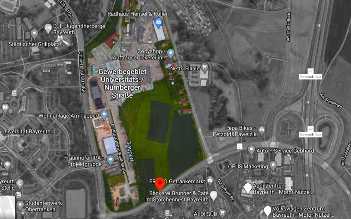 Hier im farblichen Bereich liegt etwa das Areal, auf dem ein neuer Stadtteil Bayreuths entstehen könnte. Foto: Google Maps/Redaktion