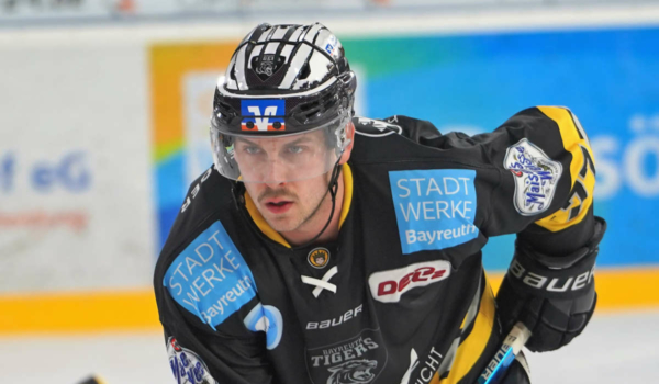 Tyler Gron hat seinen Vertrag bei den Bayreuth Tigers verlängert. Foto: Karo Vögel