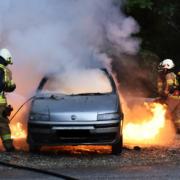Ein Auto hat auf der A9 bei Trockau lichterloh gebrannt. Keiner wollte helfen. Symbolbild: pixabay