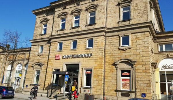Ein Mädchen wurde im Bayreuther Bahnhof auf die Gleiche gestoßen. Archivfoto: Redaktion