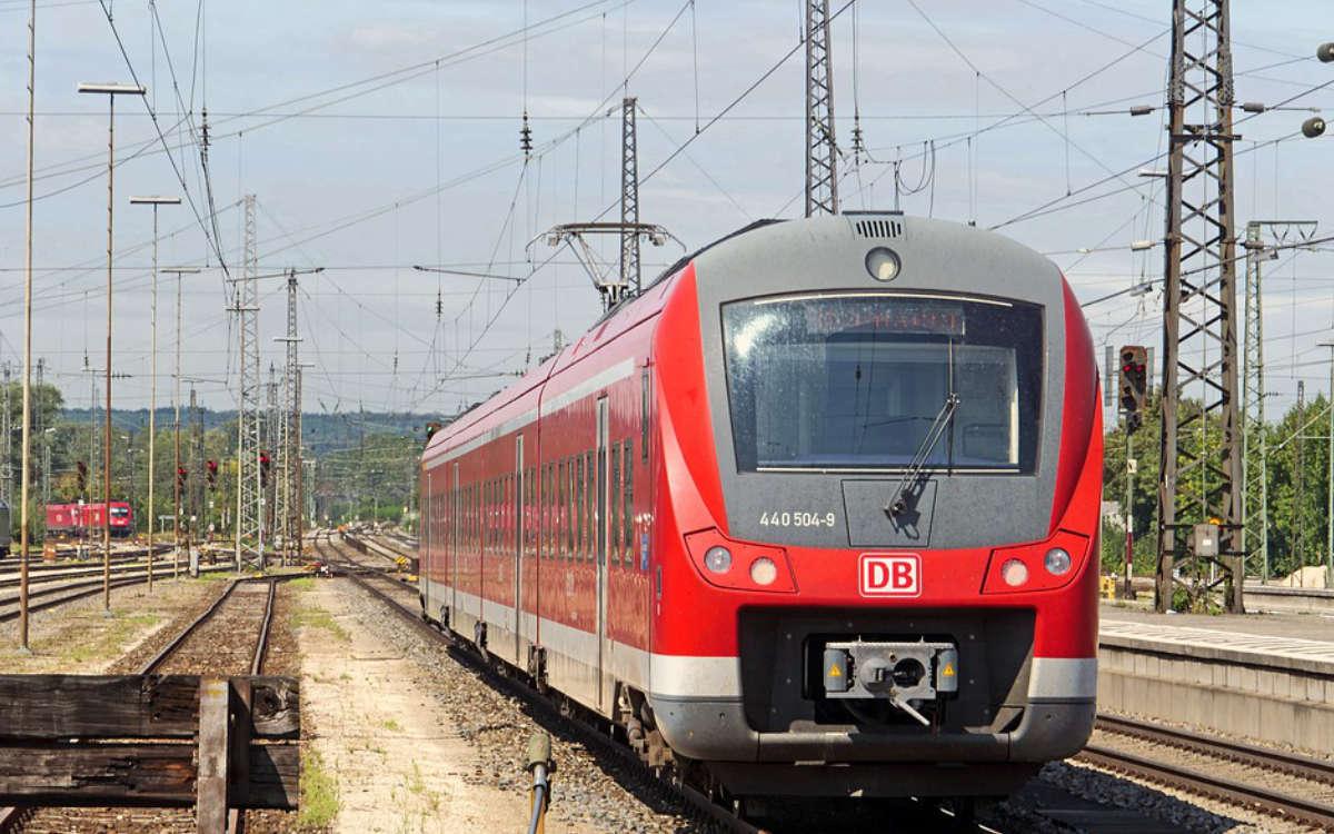 Ein Zug hat einen Mann bei Eggolsheim erfasst und dabei tödlich verletzt. Symbolfoto: pixabay