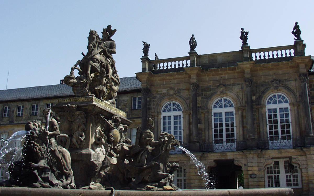 Mit dem Markgrafenbrunnen wurde dem Markgraf Christian Ernst ein Denkmal gesetzt. Foto: Stephan Müller