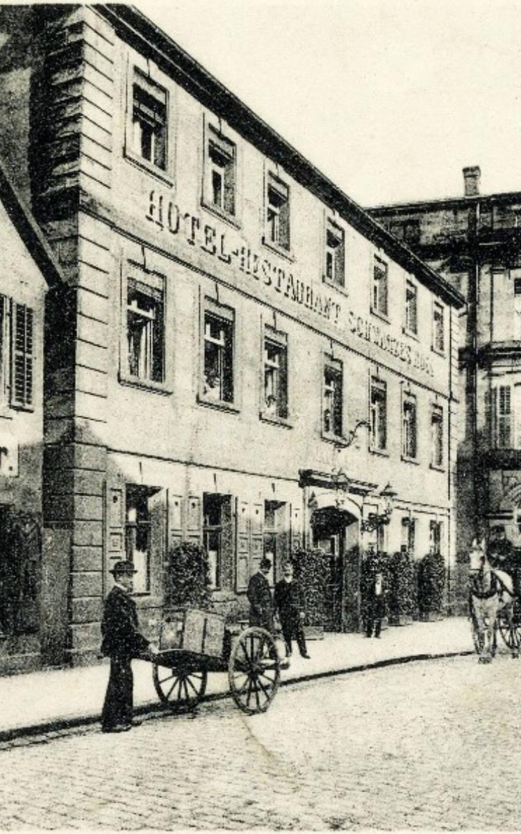 Im Hotel Schwarzes Ross in der Ludwigstraße (heute Schuh Reindl) wurde der Schwimmverein 1921 gegründet. Foto: Archiv Bernd Mayer