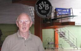 Die Stadt Bayreuth trauert um ihren ehemaligen Jugendpfleger, der Schwimmverein um seinen Ehrenvorsitzenden Helmut Künzel. Archiv: Stefan Müller.