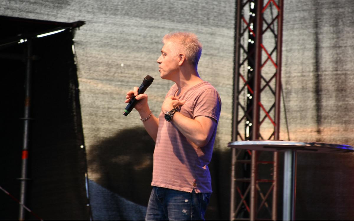 Michael Mittermeier auf der Seebühne in der Wilhelminenaue in Bayreuth. Foto: Christoph Wiedemann