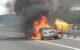 Der Mercedes stand komplett in Flammen. Foto: Feuerwehr Bindlach
