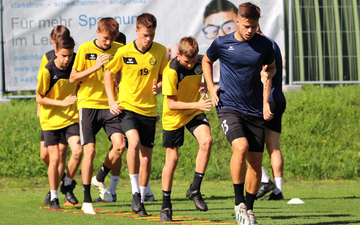Ivan Knezevic war einer von drei Regionalliga-Spielern in der ersten Einheit am Dienstag. Foto: SpVgg Bayreuth