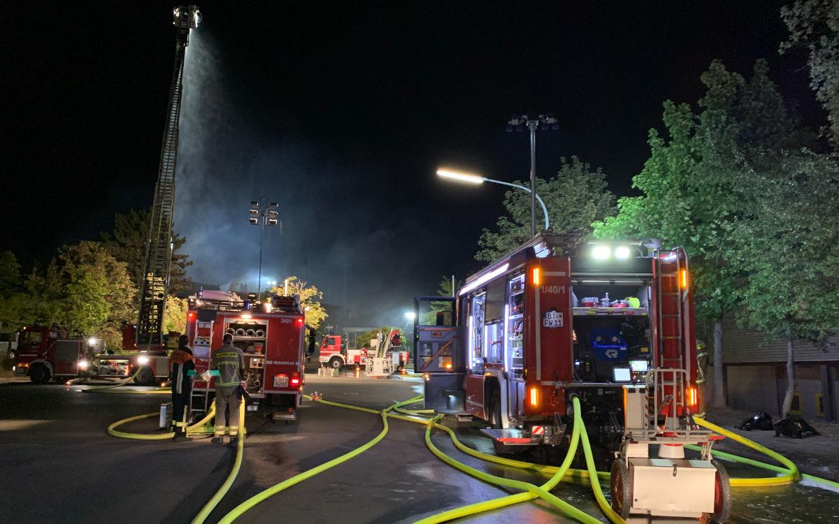 160 Feuerwehrleute kämpften vor Ort gegen die Flammen. Foto: Katharina Adler