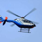 In Wunsiedel ist ein Kind verschwunden. Aktuell sucht ein Hubschrauber nach dem Mädchen. Symbolfoto: Pixabay