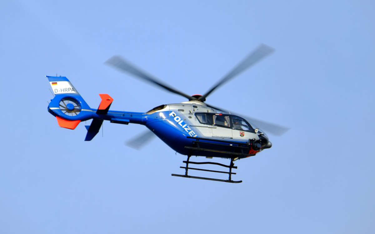 Mit einem Hubschrauber fahndete die Polizei bei Himmelkron nach einem Einbrecher. Symbolfoto: Pixabay