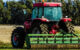 Ein Traktor steht auf dem Feld. Foto: pixabay