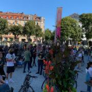 Die Aktivisten von Fridays For Future haben eine Demonstration organisiert, um ihren Rückhalt für das Bürgerbegehren vom Radentscheid Bayreuth zu zeigen. Foto: Katharina Adler