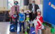 Schulleiterin Daniela Dietel, Karl Ludwig Hugo Schröder, Samuel Waldon, Jakob Schrödel, Jan Koch (Stadtwerke-Sprecher) und Evelyn Wolf (v.li.) Foto: Stadtwerke Bayreuth