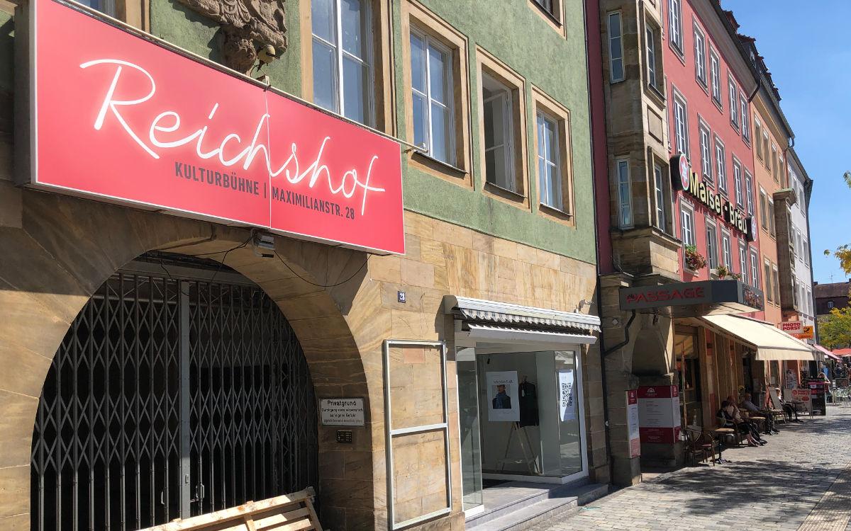 In die Immobilie des Reichshofs in Bayreuth zieht ein neues Geschäft. Foto: Christoph Wiedemann