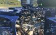 Bei der Autobahnauffahrt zur A70 bei Neudrossenfeld in Richtung Bamberg hat ein Bierlaster zahlreiche Bierflaschen und -kästen verloren. Foto: Frederik Eichstädt