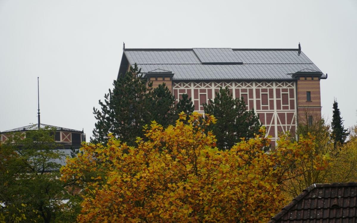Am Mittwoch (28.10.2020) hat die GEWOG Bayreuth eine neue Wohnanlage am Grünen Hügel vorgestellt. Mit dabei war auch Oberbürgermeister Thomas Ebersberger. Foto: Raphael Weiß