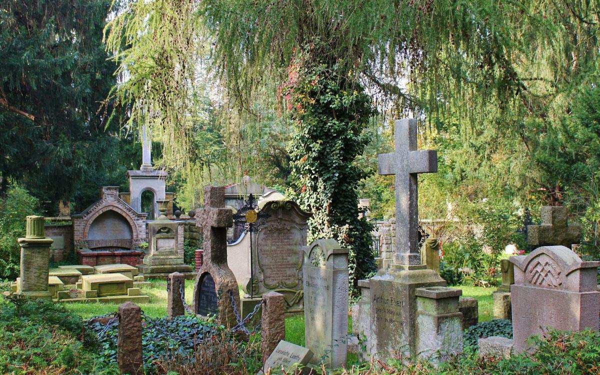Was gilt bei Beerdigungen während des Teil-Lockdowns in Bayreuth? Foto: pixabay