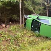 BeiCreußen im Kreis Bayreuth ist am Samstag, 17. Oktober 2020, ein Unfall geschehen. Der Fahrer wollte nach ersten Informationen einem Reh ausweichen. Foto: News5/ Holzheimer