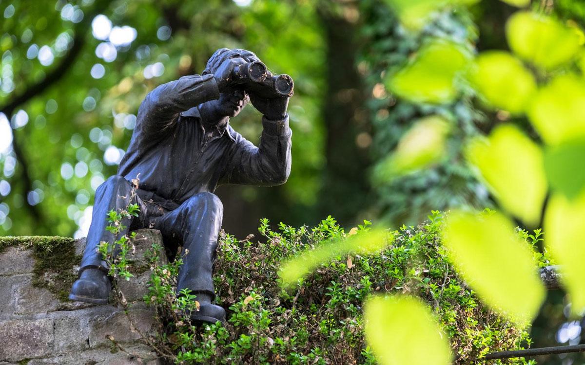 Die Überwachung von Mitarbeitern bei Lohnfortzahlungsbetrug ist nur unter bestimmten Voraussetzungen legitim. Foto: pixabay/Oilver Kepka CCO Public Domain