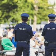 Die Polizei kontrolliert in Bayern die Einhaltung der Maskenpflicht. Symbolfoto: pixabay