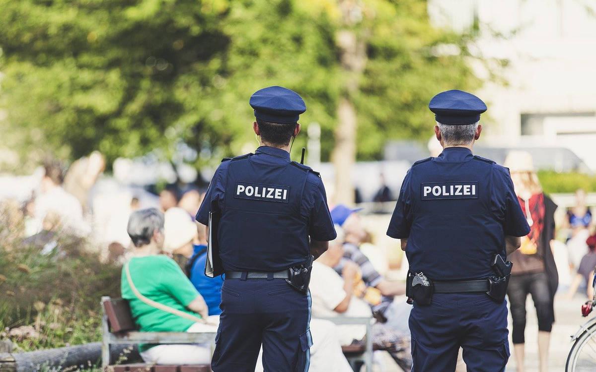 Die Polizei kündigt zu den Bayreuther Festspielen 2021 verstärkt Kontrollen an. Symbolfoto: pixabay