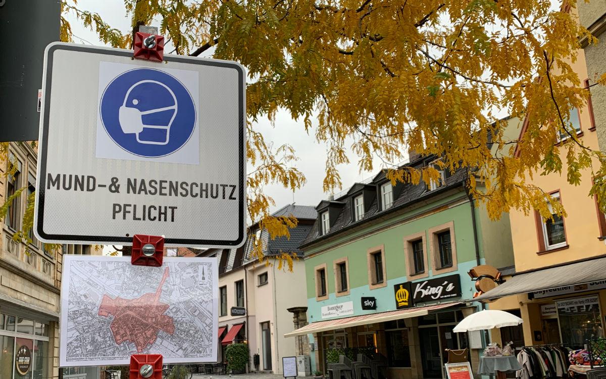 Maskenpflicht an öffentlichen Plätzen in Bayreuth. Symbolfoto: Katharina Adler