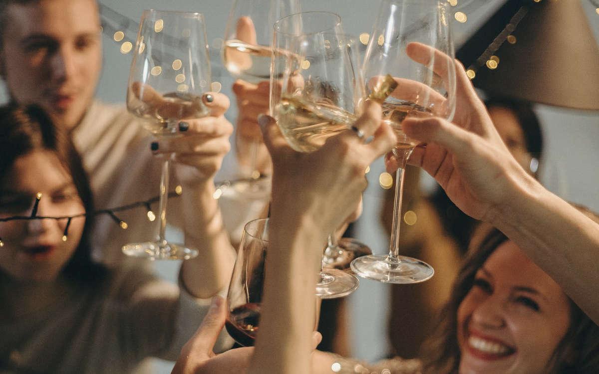 Partys an Silvester im Kreis Lichtenfels. Außerdem wurde ein Pärchen beim Heimweg erwischt. Symbolfoto: pixabay