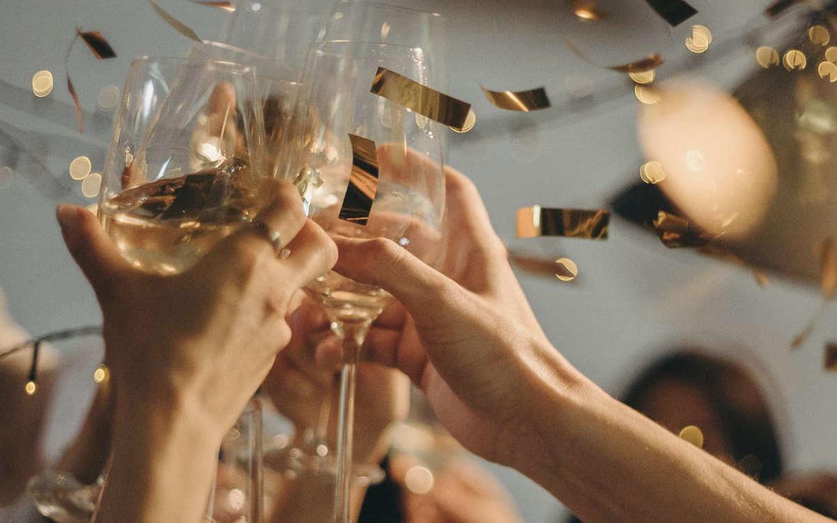 30 Personen feiern Corona Party im Landkreis Bayreuth. Symbolfoto: Pexels