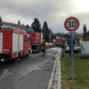 Ein Wohnhaus in Bischofsgrün im Kreis Bayreuth hat heute (11. November 2020) gebrannt. Ein enormes Aufgebot an Einsatzkräften war vor Ort. Foto: Raphael Weiß