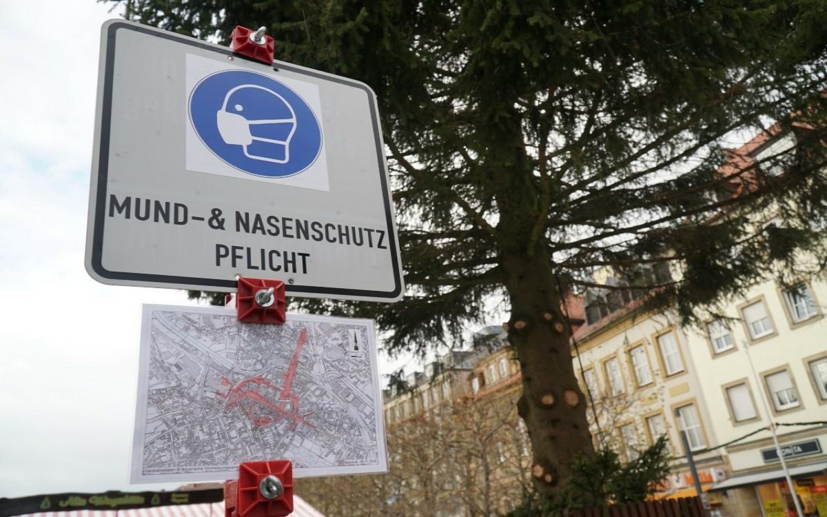 Seit dem 16. November läuft der Weihnachtsmarkt light in der Bayreuther Fußgängerzone. Foto: Raphael Weiß