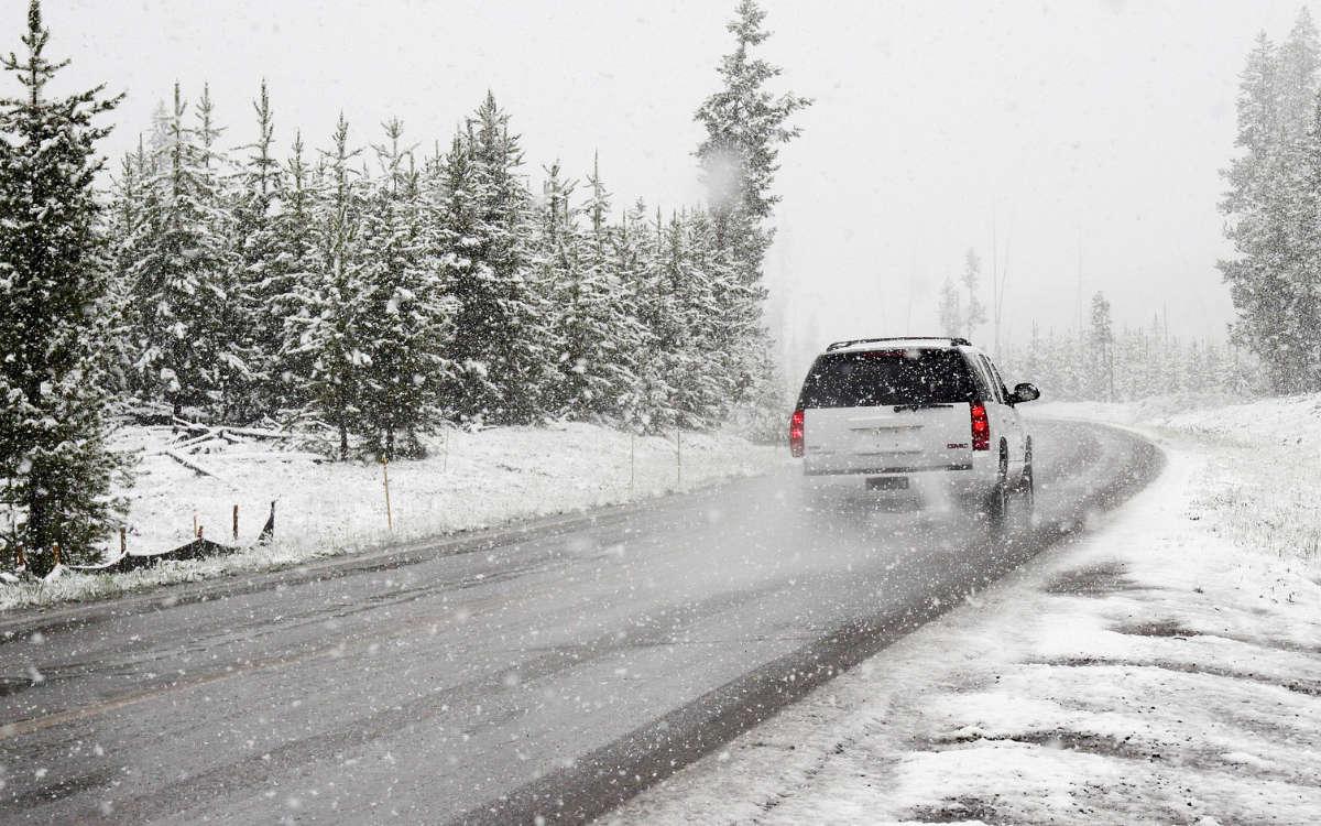 Wintereinbruch im Raum Bayreuth 2021. Etliche Unfälle auf der A9 in der Region Bayreuth. Symbolbild: pixabay