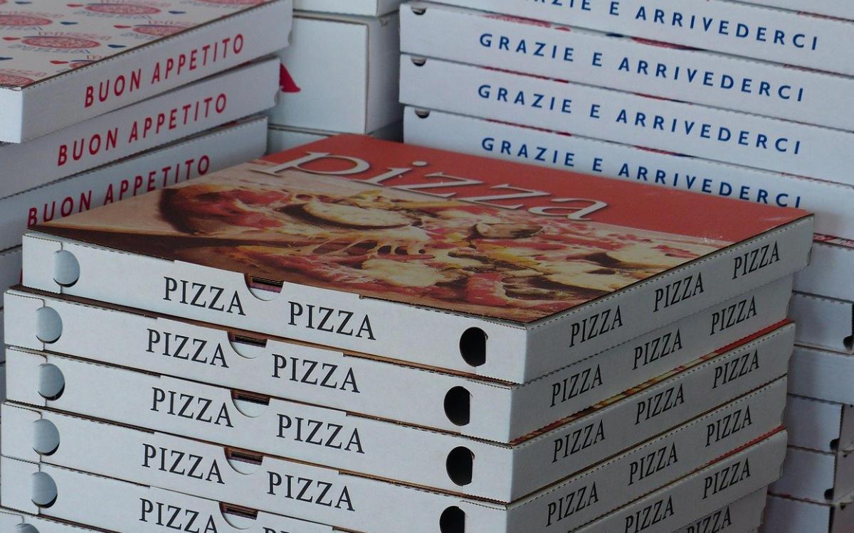 Ein Pizza-Lieferant wurde in Bayreuth von einem Mann auf den Kopf geschlagen. Symbolfoto: pixabay